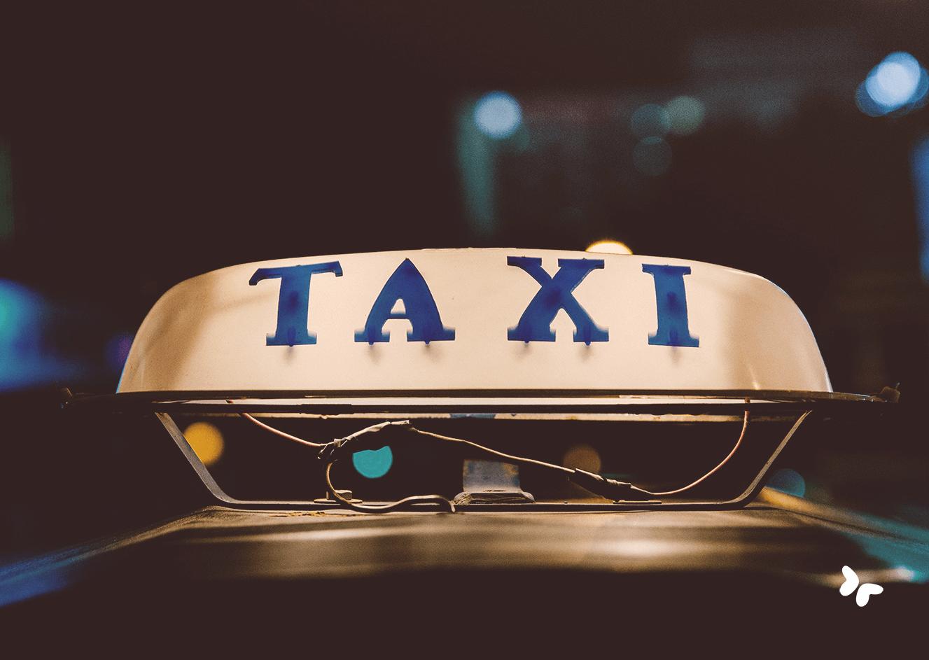 lichtbox met opschrift taxi